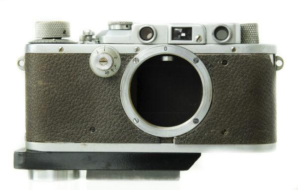 Leica 111A Chrome Body + Grip